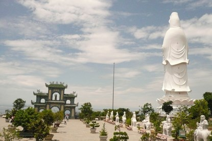 LINH UNG PAGODA - EXPLORE 1 DAY WITH LINH UNG PAGODA - MARBLE MOUNTAIN - HOI AN